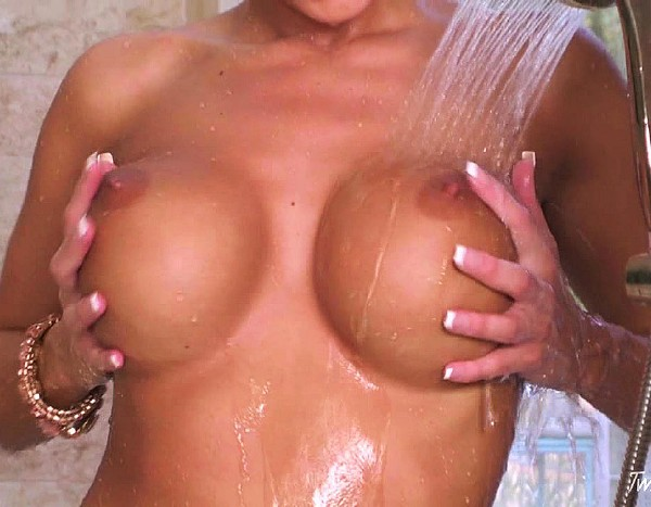 Dylan Ryder - A Nice Relaxing Shower (2011/HD)