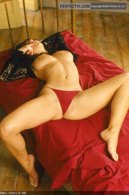 Kara dioguardi shows up bikini girl