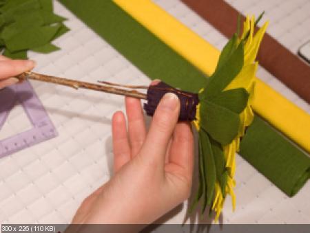 Цветы из гофрированой бумаги 1f6597167523195145a1fdad34aa3a20