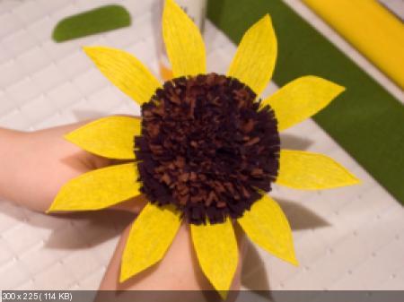 Цветы из гофрированой бумаги 76f4a57059ff5b40a80e151c147bb780