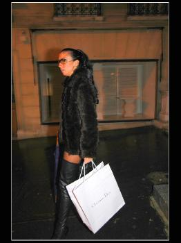Night Shopping In Paris RedOptics.com