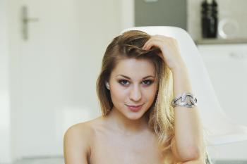 Candice B - 2014-12-22 - Qulpi