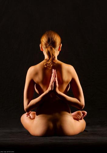 0017 Luba Nude Yoga Part 2